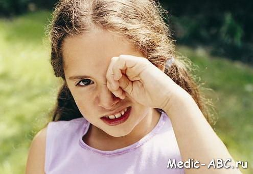 Чим лікувати кон'юнктивіт у дітей?