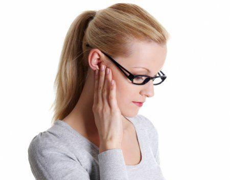 Чим лікувати лімфовузли за вухом - фото
