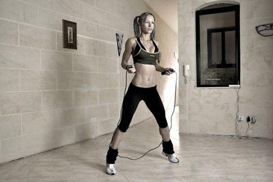 Чим корисні стрибки на скакалці? Які групи м'язів задіяні при стрибках?