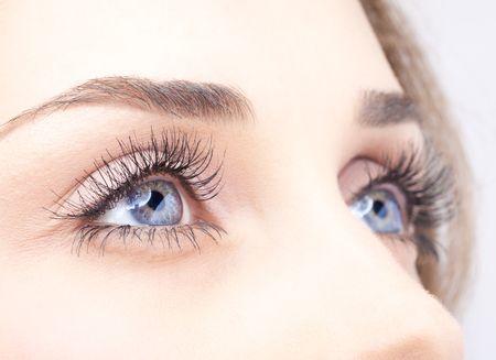 Що таке ок-лінзи: про застосування для зору