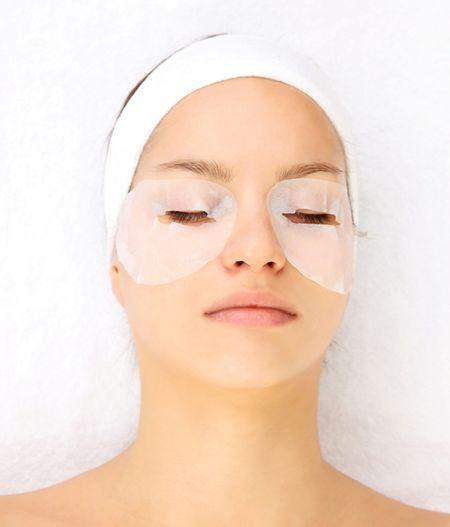 Домашня маска для шкіри навколо очей від зморшок
