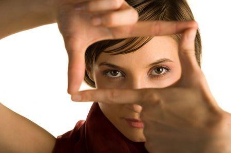 Двоїться в очах по вертикалі або горизонталі: причини і лікування
