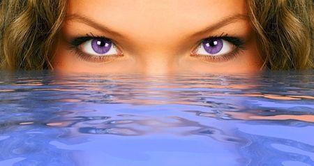 Фіолетовий колір очей у людини: це цікаво