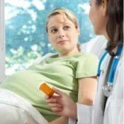 Фолієва кислота при вагітності, дозування: скільки пити?
