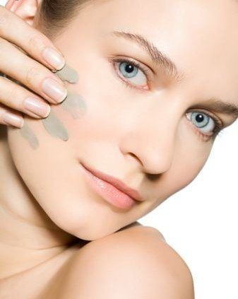 маска з блакитної глини для обличчя