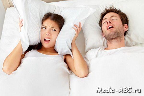 Як позбавитися від хропіння уві сні