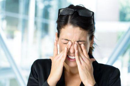 Як лікувати очної кліщ: причини і симптоми захворювання