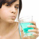Як допомагає ополіскувач для порожнини рота