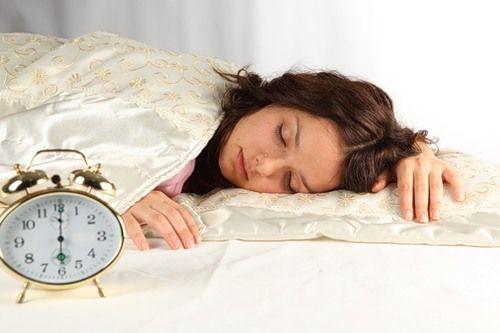 Как проснуться рано утром: 3 главных правила