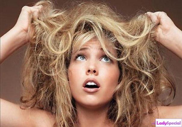 Як зволожити сухе волосся? Прості способи