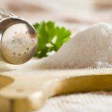 Як вивести сіль з організму людини