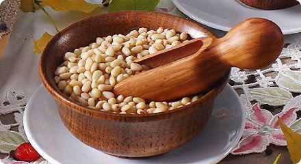 Кедрові горіхи: користь, вживання, рецепти