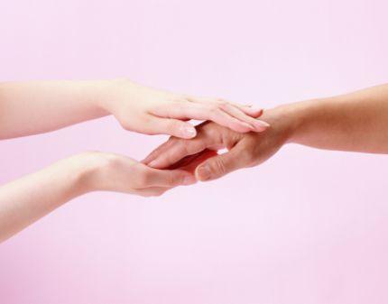 Масаж пальців рук