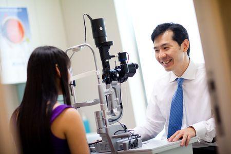 Огляд офтальмологічної клініки доктор лінз