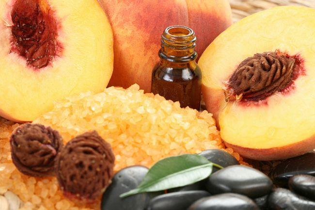 Масло персикових кісточок для особи: корисні властивості