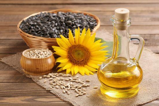Соняшникова олія для волосся: рецепти масок і правила їх застосування