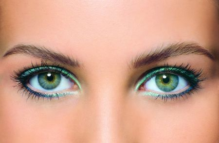 Причини і лікування двоїння в очах