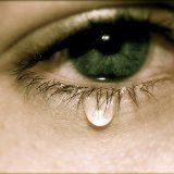 Причини підвищеної сльозоточивості в літньому віці