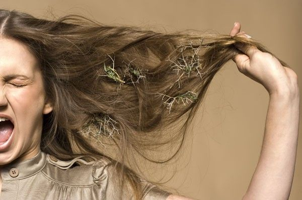 Причини випадіння волосся у дівчат
