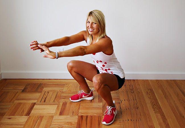 Програма присідань на 30 днів для дівчат: варіанти вправ і техніка їх виконання
