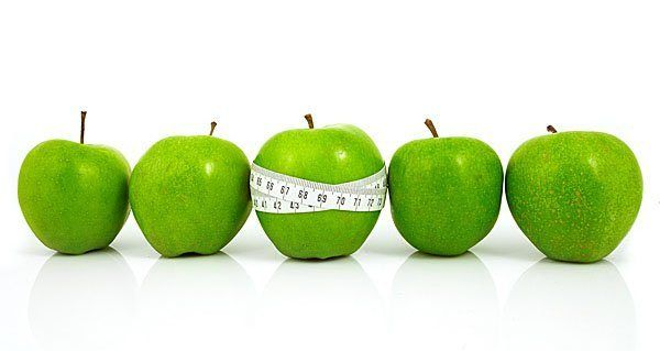 Розвантажувальний день на яблуках: способи проведення та результати