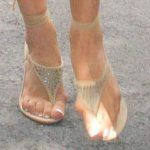 Шишки на ногах біля великого пальця