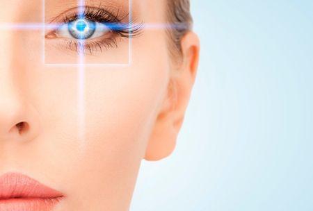Скільки в середньому коштує лазерна корекція зору