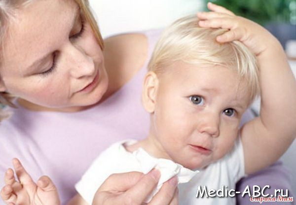 Сукровиця у новонароджених: особливості лікування та причини