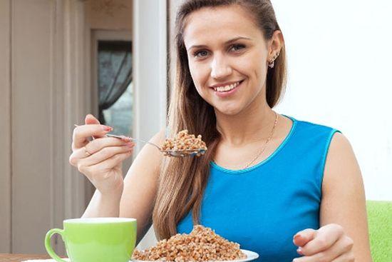Сира гречка з кефіром для схуднення: рецепти дієти, результати, відгуки