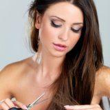 Догляд за січеться кінчиками волосся