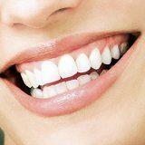 Здоровий колір зубів у людини